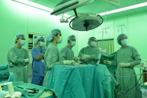 nạo hạch nội soi cho bệnh nhân