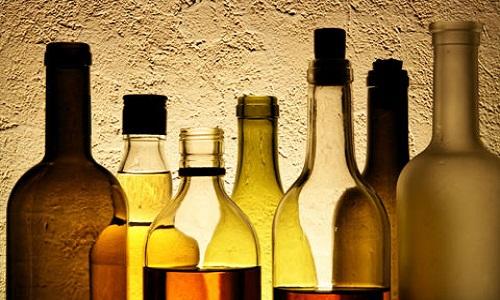 Lạm dụng rượu bia gây suy giảm chức năng sinh lý ở nam giới