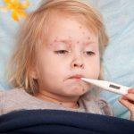 Triệu chứng sốt xuất huyết ở trẻ mà mẹ nào cũng cần biết