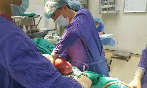 phẫu thuật khối u mỡ