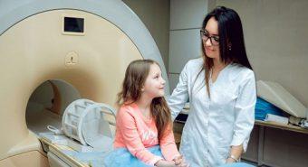 Nguy cơ ung thư buồng trứng tấn công trẻ em