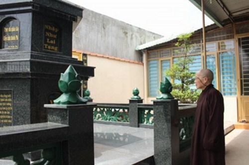Nhờ sử dụng nấm lim xanh, Ni sư Hoàng Thị Bích đã chiến thắng căn bệnh ung thư