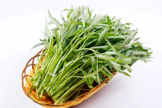 Không ăn rau muống khi sử dụng xạ đen chữa bệnh